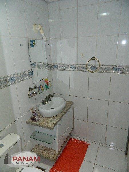 Excelente apartamento no Protásio Alves em Porto Alegre.  Ótimo apartamento com dois dormitórios, living dois ambientes, com rebaixamento em gesso na sala, piso frio em todo o imóvel, banheiro social, cozinha e área de serviço. Recentemente reformado, peças amplas, sol da manhã. Condomínio com portaria 24hs, salão de festas, playgroung e quadra de esportes.  Agende já sua visita! (51) 3340.9500 | Panam Imóveis Ltda.