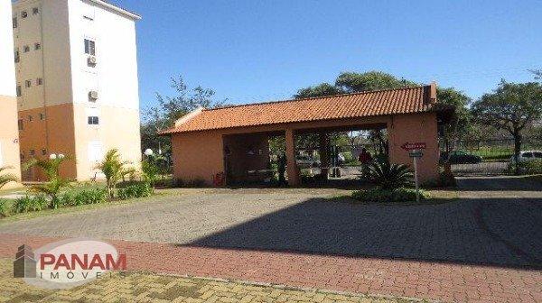 Excelente apartamento no Humaitá em Porto Alegre  Excelente apartamento com três dormitórios, sendo uma suíte, living dois ambientes, sacada, banheiro social, cozinha, área de serviço, água quente, uma vaga de garagem. Condomínio com infraestrutura.